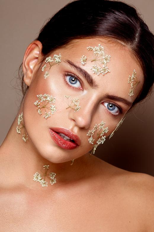 Kiki - Beauty Kiki @Inbetween models<br /> MUAH: Kaja Dobron<br /> Foto+retouch: ik, Stephanie Verhart