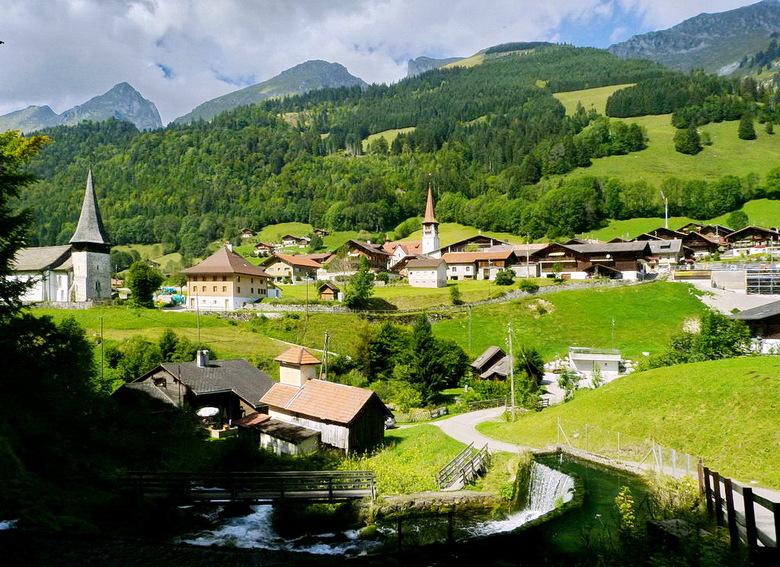 Zwitserland - Rondrit gemaakt in de omgeving Jaunpass Zwitserland, veel kleine dorpjes bezocht waarvan ik de namen schuldig moet blijven.<br /> Ik we