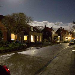 straat bij maanlicht