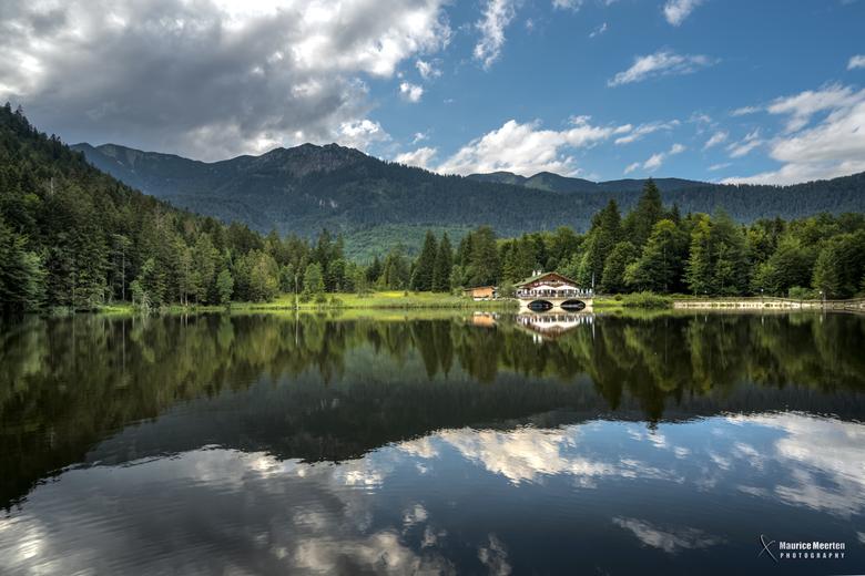 Spiegeling in het meer - Spiegeling in het meer