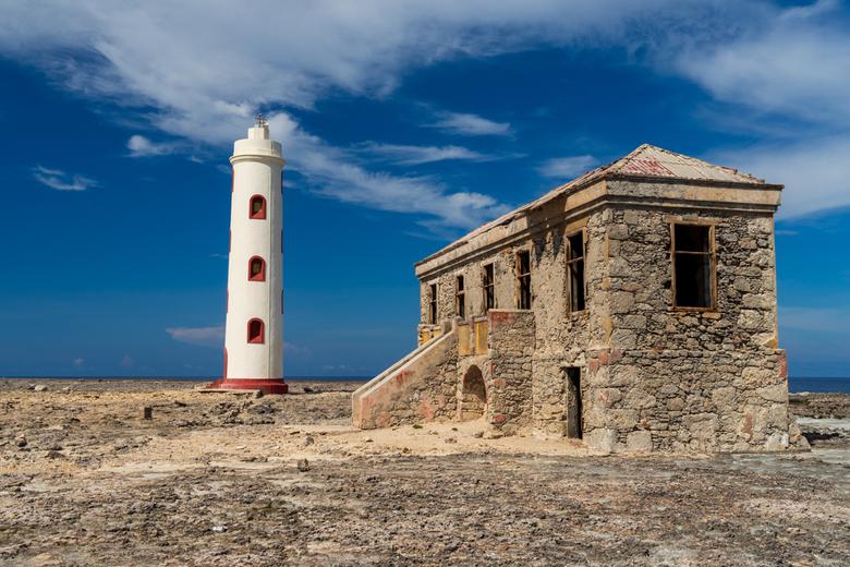 Spelonk Lighthouse - Spelonk vuurtoren op Bonaire, met de het huisje van de vuurtorenwachter