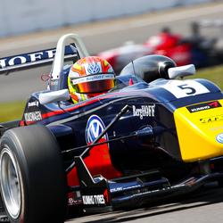 Laurens Van Thoor - Carlin Motorsport F3