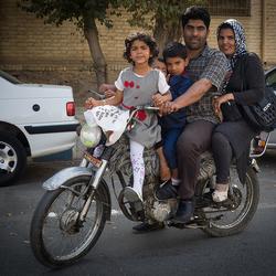 Hoeveel kunnen op een brommer Iran