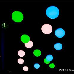 Glow 2013,Lichtgevende bollen.jpg