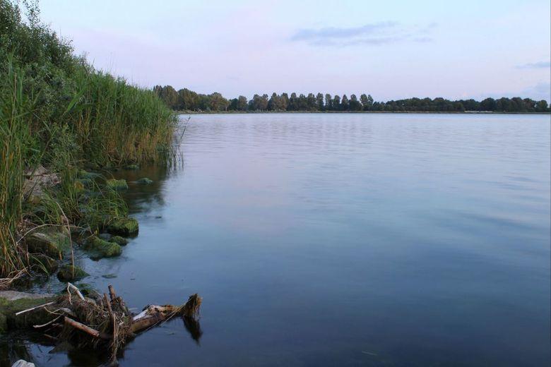 Geestemerambacht - Het meer van het Geestmerabacht (Langedijk).<br /> Dit is een van de eerste redelijk gelukte landschap foto&#039;s.