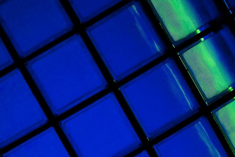 blue light 3 - Blauw detail