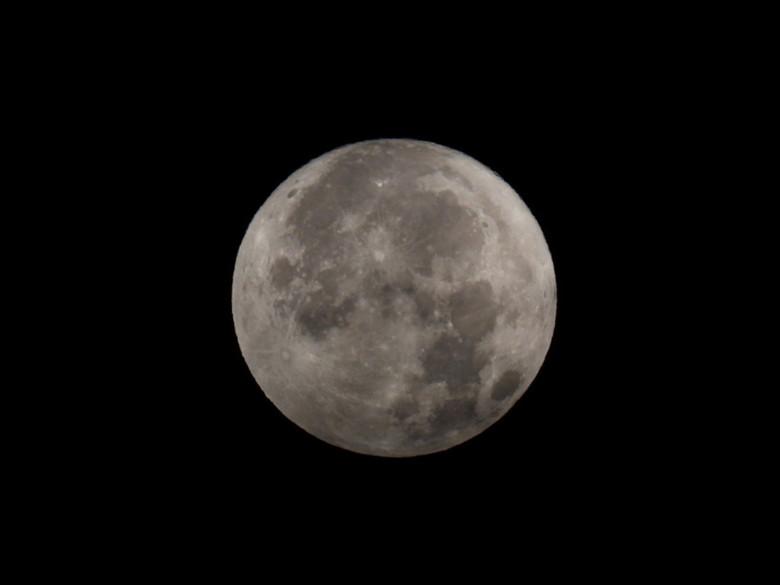 DSCN7024 - Maan gefotografeerd vanochtend
