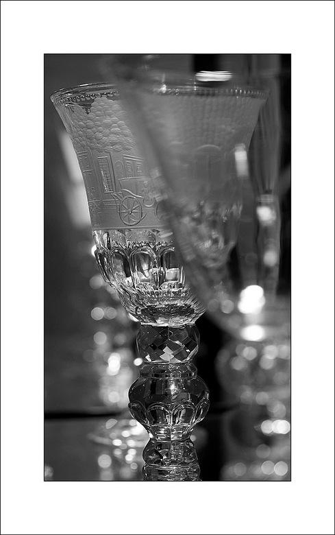glaswerk - in het glasmuseum in Leerdam