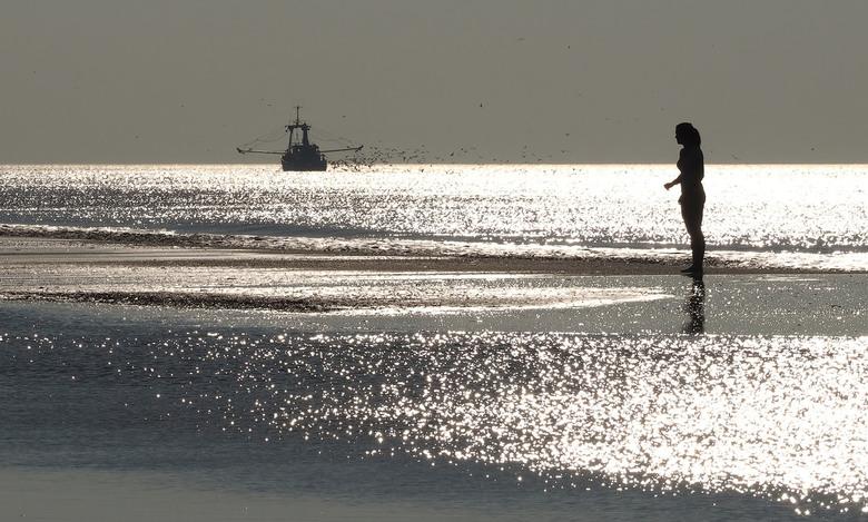 Modellen in Tegenlicht - Van de week even heerlijk langs de Kust in Zandvoort...<br /> En spelen in de baan van het tegenlicht.