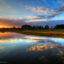 Mooie reflectie tijdens zonsondergang
