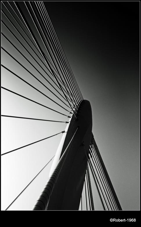 Prins Clausbrug  - Ik heb een serie foto's gemaakt van de Prins  Clausbrug in Utrecht. De hele serie vind je terug op mijn fb pagina en/of mijn F