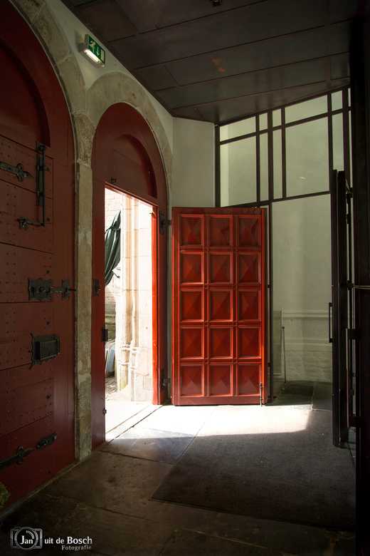 open deur  ???
