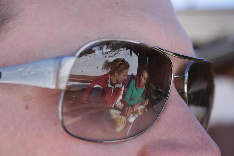 Wintersport gezelligheid - Lekker gezellig eten op de piste!