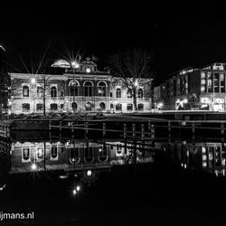 Bibliotheek in Leeuwarden bij nacht
