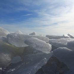 Kruiend ijs Laaksum Friesland