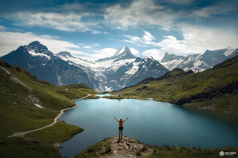Reach for a dream - Boven de Bachalpsee in de Zwitserse Alpen op 2300 meter.
