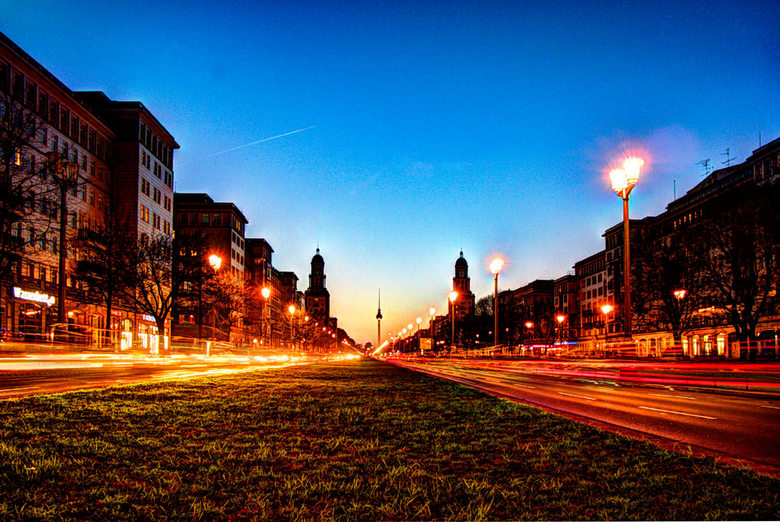 Frankfurter Tor Berlin 006. - Karl-Marx-Allee (Frankfurter Tor) Berlin<br /> <br /> De Frankfurter Tor (Frankfurtpoort) is een voormalige stadspoort