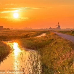 Sunrise in the Dutch polder