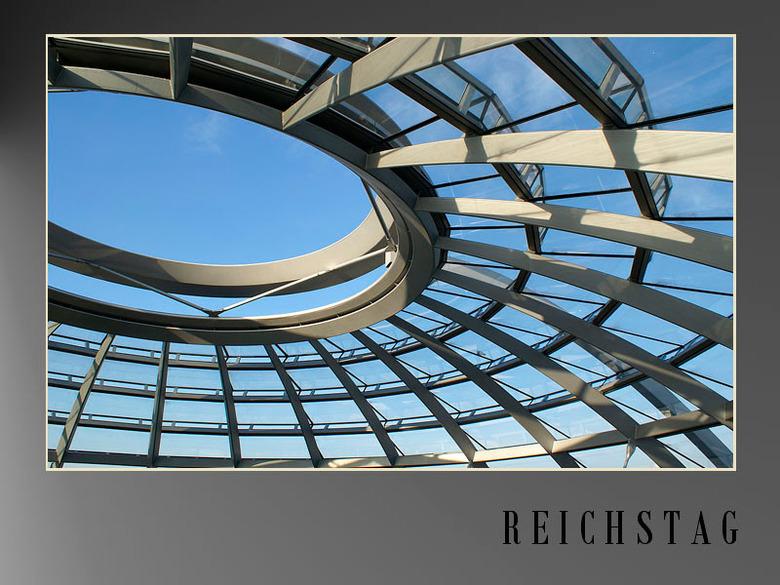 Koepel Reichstag - haha sommige zullen wel denken &quot;Rick en Architectuur&quot; haha<br /> Achja ik probeer ook af en toe maar wat en vond dit wel