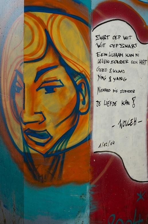 Grafitti met BoodSchap - In Antwerpen genomen.