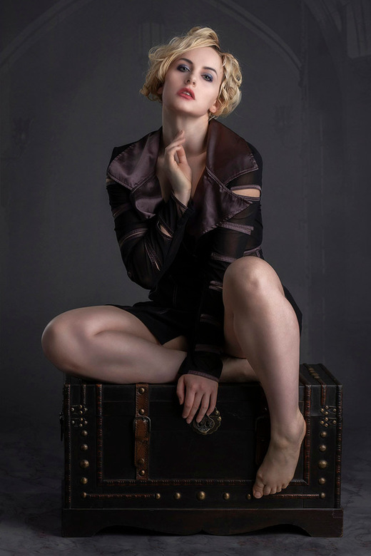 schatkist - model is Keira Lavelle