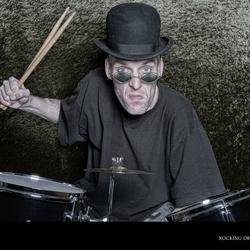 Rocking drums