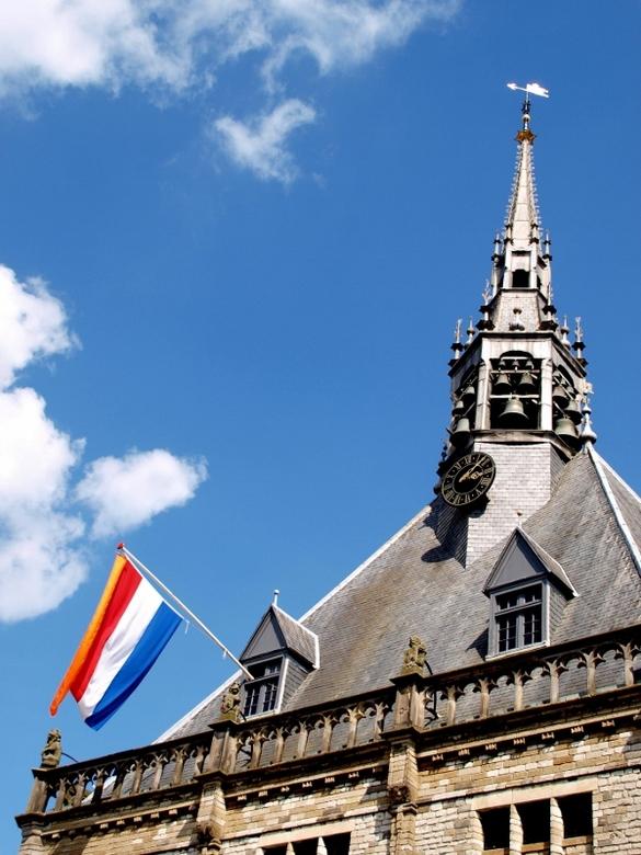 Vandaag vlag ik! - Vandaag steek ik de vlag uit voor mijn zus Lynde (ook op Zoom), want vandaag is ze jarig.<br /> <br />