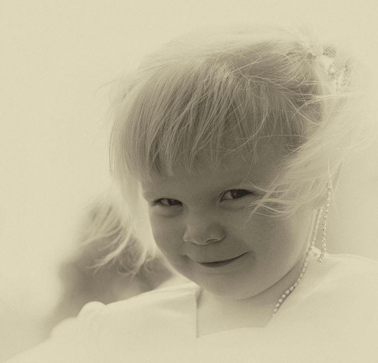 Prinsesje - Haar vader en moeder gingen trouwen,ze vond het heel leuk als een prinsesje rond te lopen.