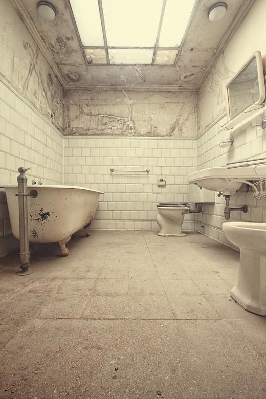The bath issue - bathroom