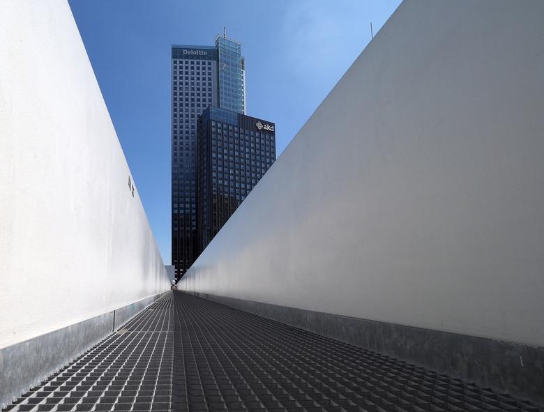 Rotterdam... - Het is daar  altijd genieten,voor de Architectuur .