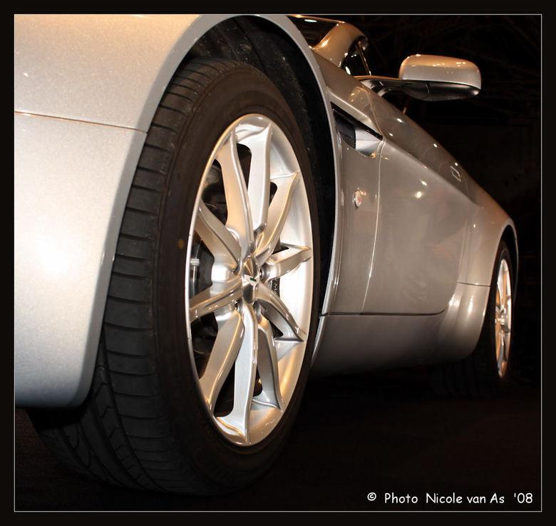 James Bond Car - Zoom Experience 2008<br /> <br /> Aston Martin.<br /> <br /> Wat vinden jullie ervan?<br />