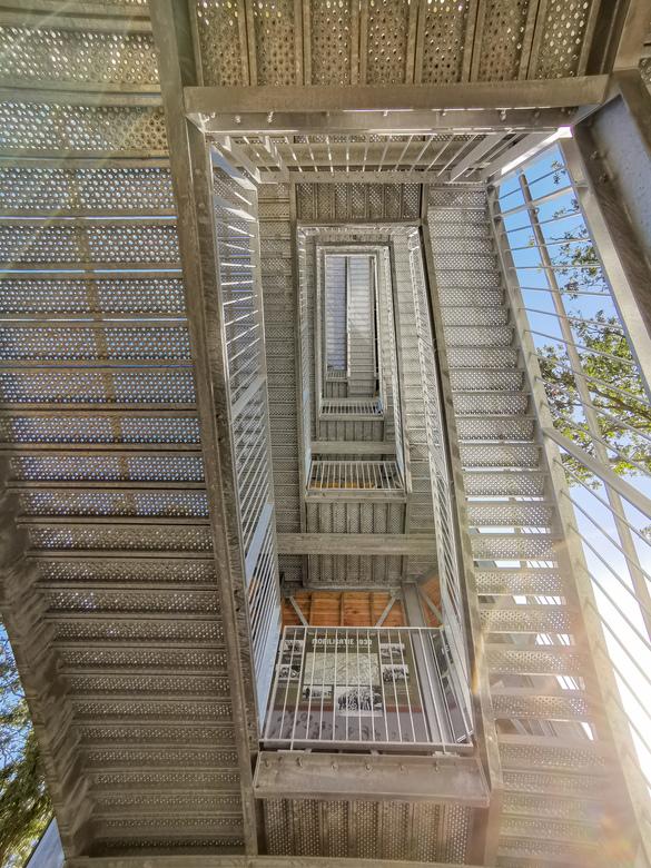 Look up!  - Trappenstelsel van onderaf gefotografeerd! Dit was bij de nieuwe uitkijktoren, in Meijel!