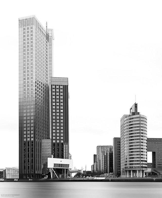 Rotterdamse hoogbouw - De maastoren is met zijn 165 meter nog steeds het hoogste gebouw van Rotterdam en Nederland. Maar niet lang meer, de Zalmhavent