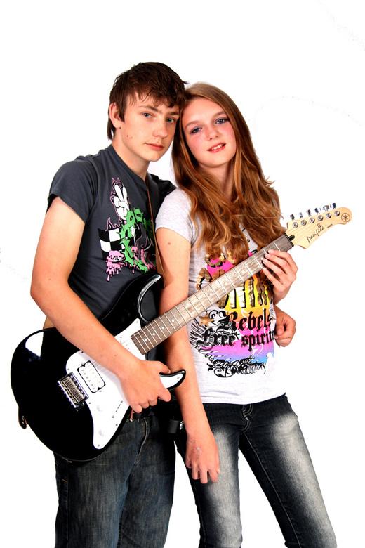 Love and Music - Samen met zijn twee grote liefdes op de foto... een erg leuke shoot om te doen met deze twee tieners