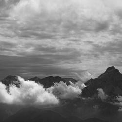 wolken en bergen