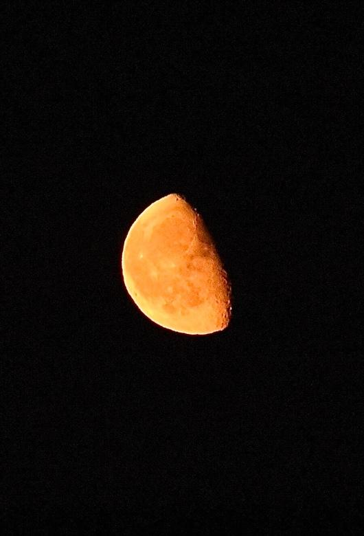Opkomende maan -