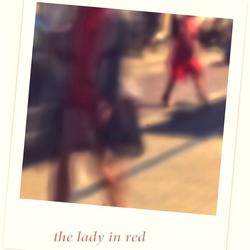 Les Femmes Marchant sur la Rue