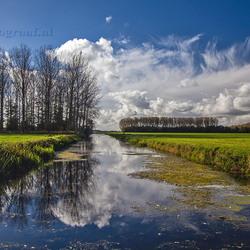 Hollandse wolkenlucht...........