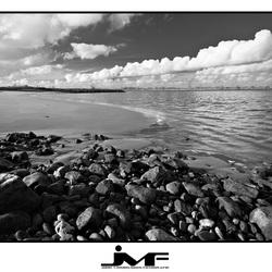 Aan het strand bij de Lek (2)