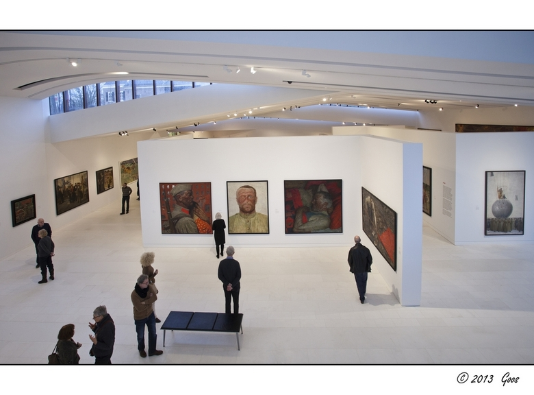 """Assen - Drents museum 29 - Overzicht van de nieuwe zaal waar de tentoonstelling """"De Sovjet Mythe, Socialistisch Realisme van 1932-1960"""" was"""