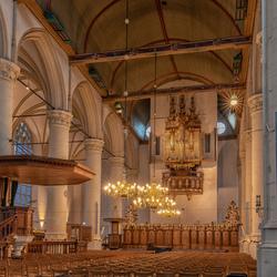 Kersfstsfeer in de Hooglandse Kerk van Leiden
