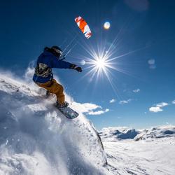 Snowboarden met kite