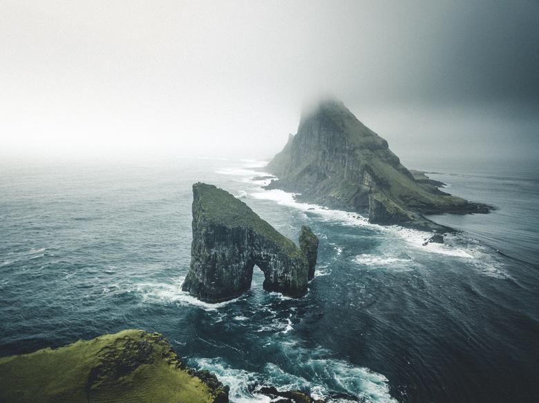 Drone op de Faeröer Eilanden