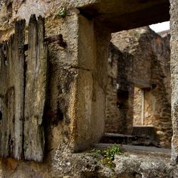 Doorkijkje in Oradour