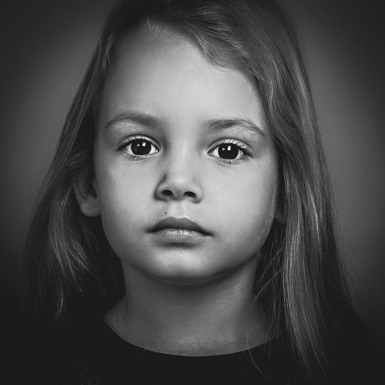 Fayenne - Portret
