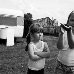 Meisjes op camping