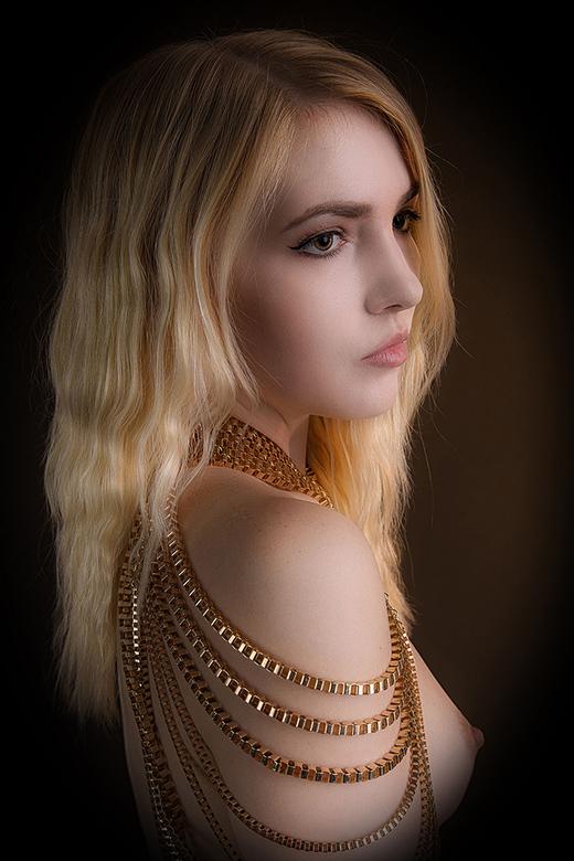 gold - Sylph Sia