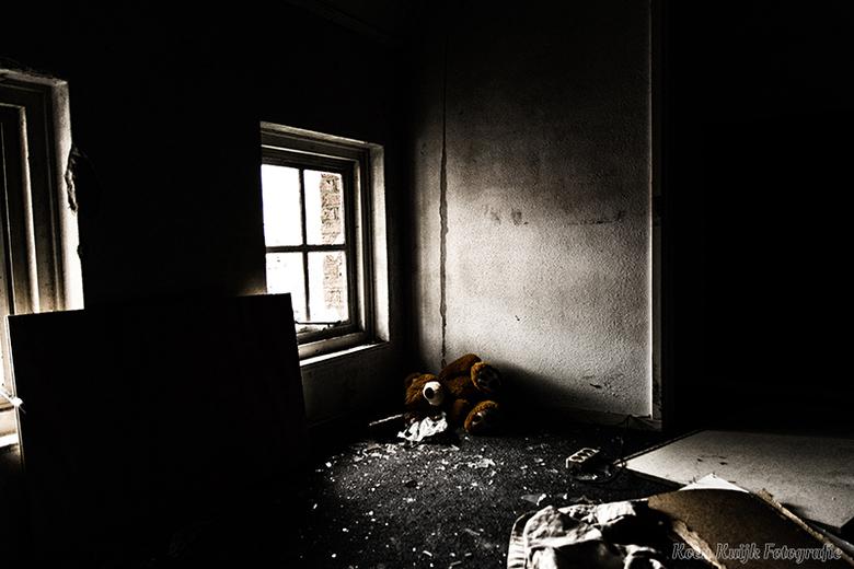 Verlaten gebouw - Foto in een verlaten gebouw