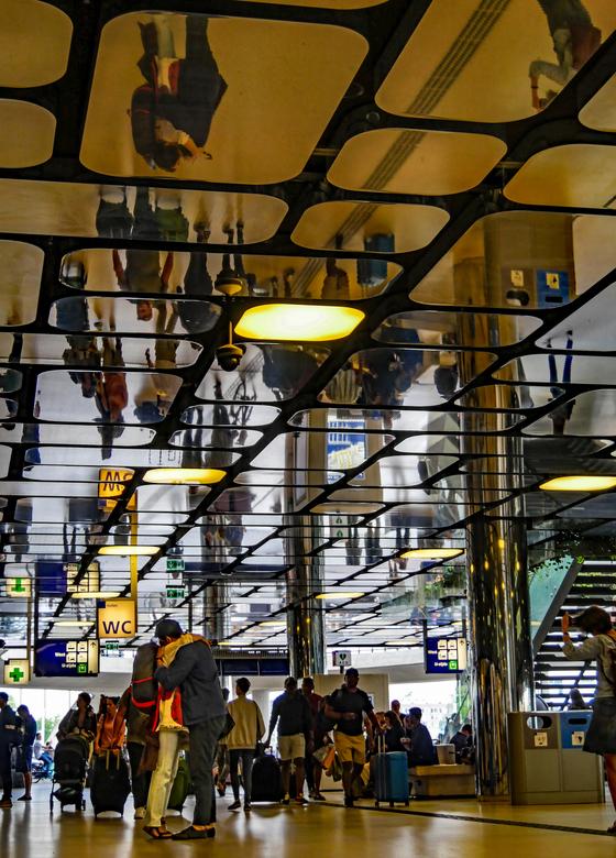P1120411bb - Afscheid nemen op centraal station Amsterdam