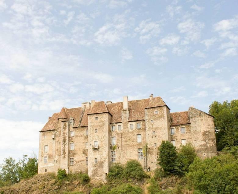 Kasteel van Boussac - Het opvallende kasteel in Boussac.